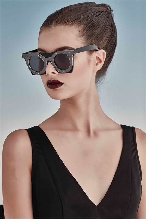 HIP TO BE SQUARE SUNGLASSES